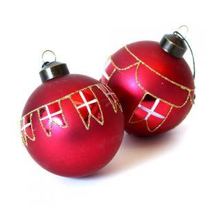 Julekugler med flag 2 stk. - Ø 8 cm - Mørkerød